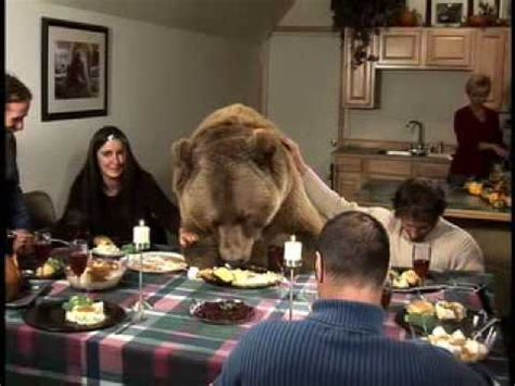 AN AMERICAN THANKSGIVING - CW NETWORK - 4PM - YouTube