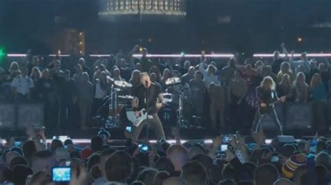 METALLICA Perform At The Concert For Valor On Veteran's
