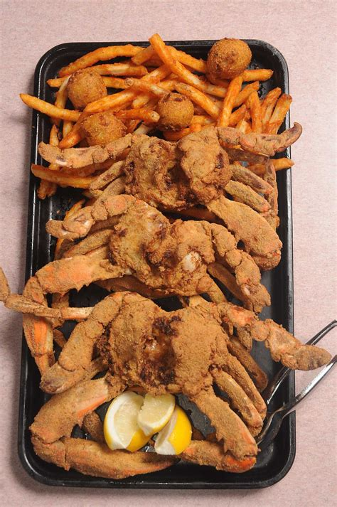 How to make Ragin' Cajun's barbecued fried blue crabs at
