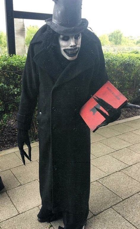 This very accurate Babadook cosplay