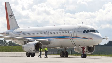 DLR Airbus A320 ATRA taxis using fuel cell-powered nose