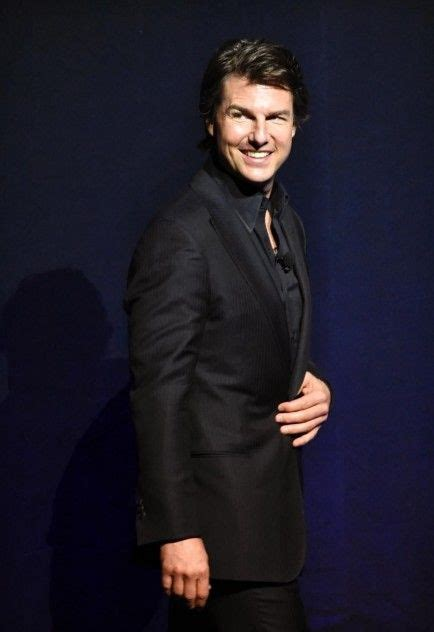 Tom Cruise Age, Height, Weight
